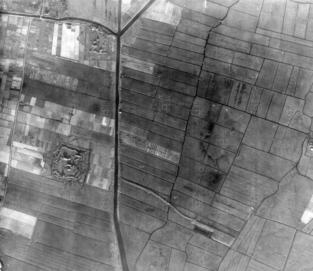 Luchtfoto van Widerstandsnest 239. Linksboven is Widerstandsnest 235 te zien.