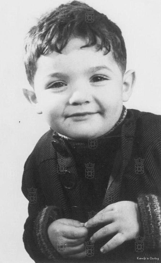 Louis Abraham Belinfante (Loeki), bijna 4 jaar oud, werd op 25 oktober 1944 om het leven gebracht in Auschwitz.