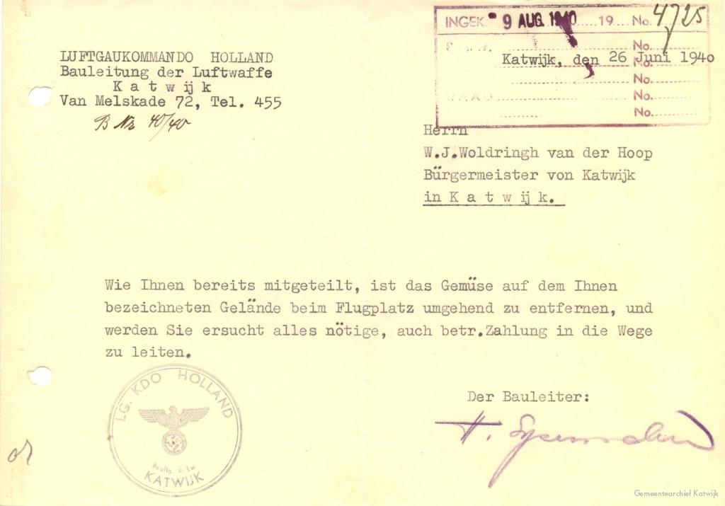 Brief van de Bauleitung der Luftwaffe Katwijk aan de burgemeester over de stukken land rondom het vliegveld.