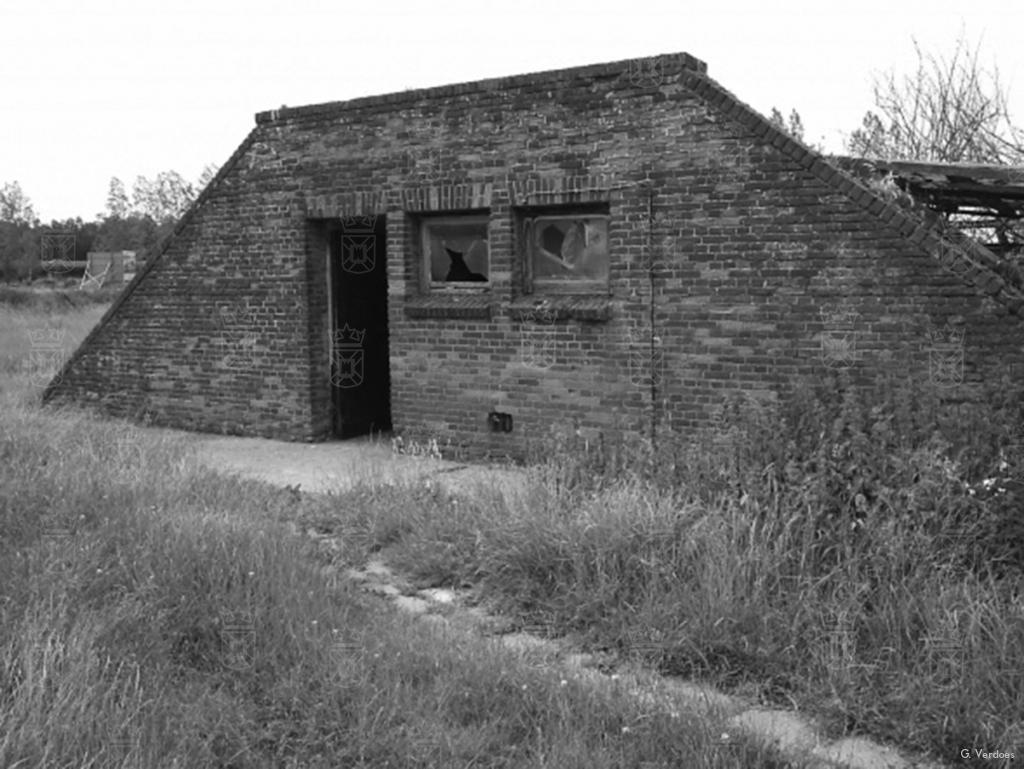 Een van de woonschuilplaatsen die te vinden waren binnen Wn. 244.