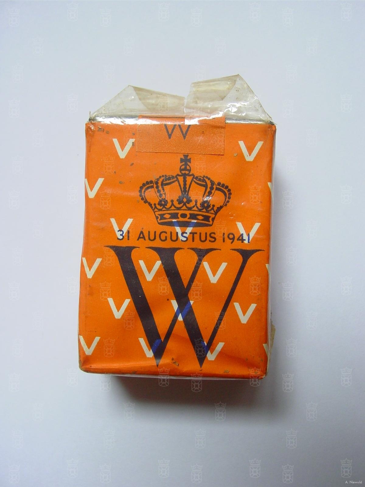 Oranje sigaretten zoals uitgeworpen boven Nederland in de nacht van 30 op 31 augustus 1941.