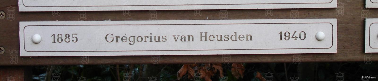 Het graf van Gregorius van Heusden is inmiddels geruimd, zijn naam is nog terug te vinden op een plaquette.
