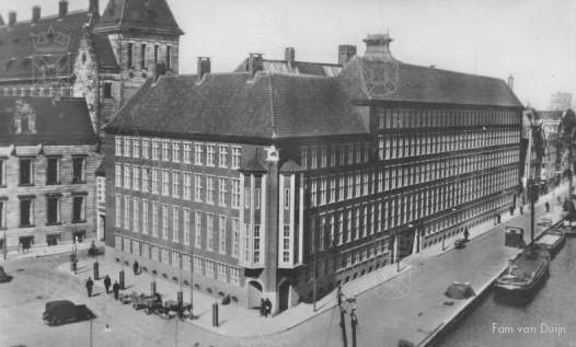 Het Politiebureau aan het Haagseveer te Rotterdam.
