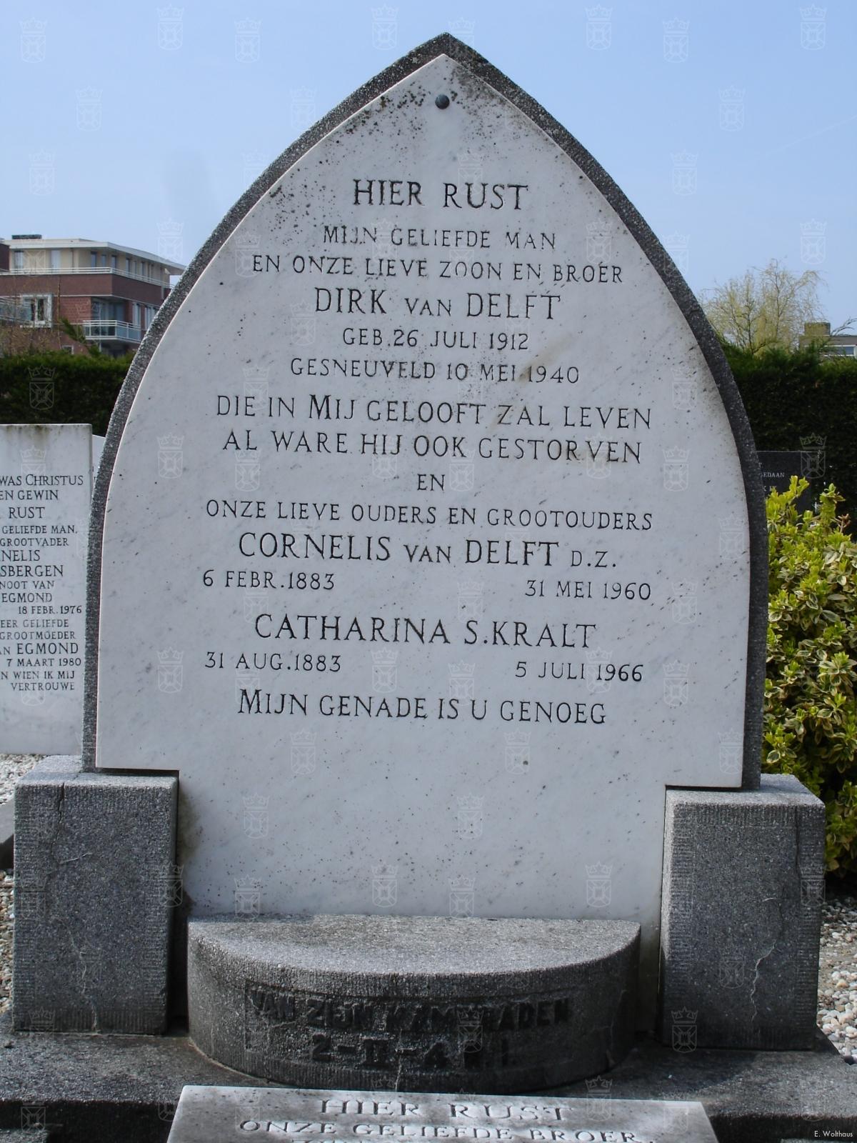 Het graf van Dirk van Delft op de Gereformeerde begraafplaats aan de Sandtlaan.