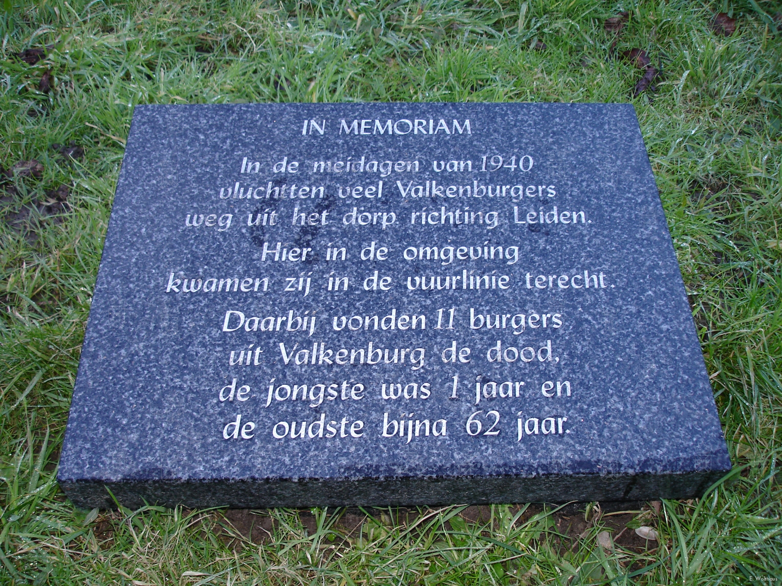 De gedenksteen ter nagedachtenis aan de elf Valkenburgers die sneuvelden tijdens hun vlu.cht naar de Haagsche Schouw op 11 Mei 1940