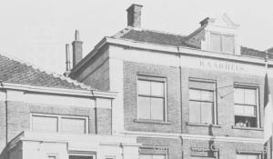 Het Rijnsburgse gemeentehuis tijdens de oorlogsjaren.