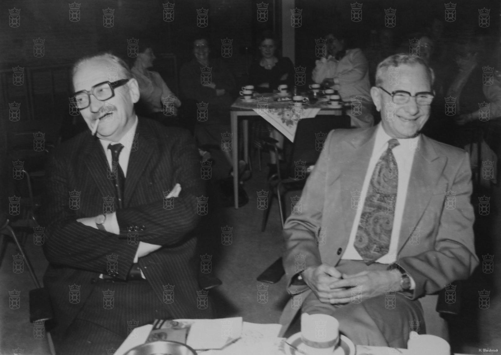 Nico Bleichrodt (rechts) en zijn 'bevrijder' Edzard van der Laan (links) na de oorlog.