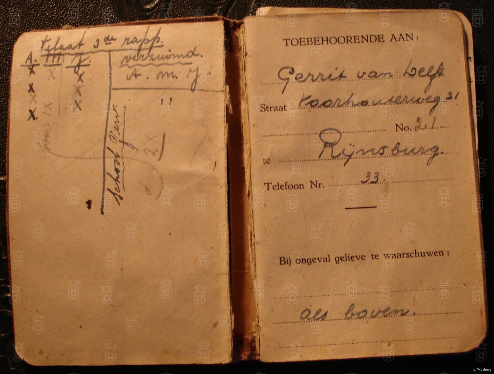Één van de dagboekjes van Gerrit Van Delft.