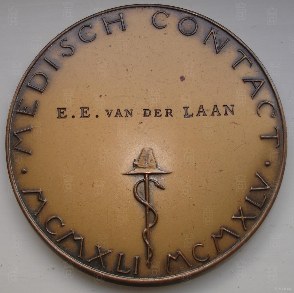 Voor bewezen diensten, Edzard Ebel van der Laan.