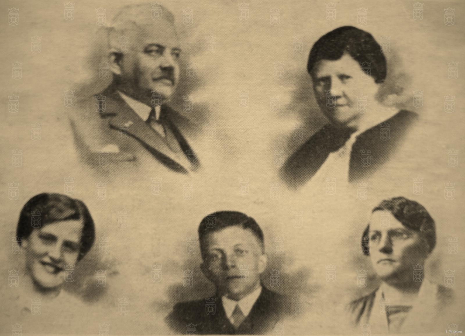 Het gezin Mikx met rechtsonder Anna van Eck.