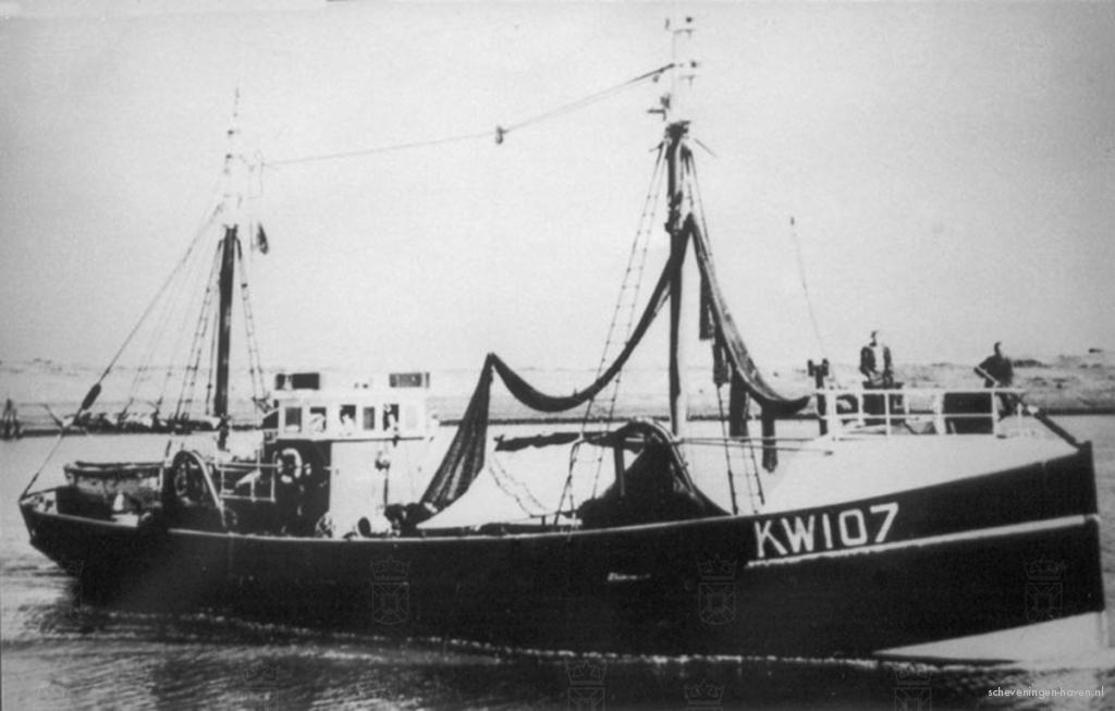 """De KW107 """"Jacoba"""" van schipper M. van Duijn."""