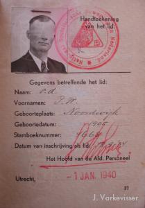 Het lidmaatschapsboekje van een in 1934 tot de NSB toegetreden Noordwijks lid.